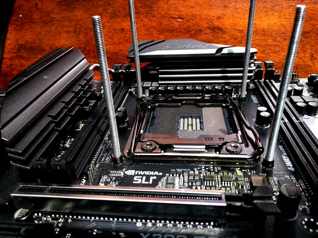 Splave and Core i9 9920X at 6021MHz: Cinebench R15 gold in the current CPU rank