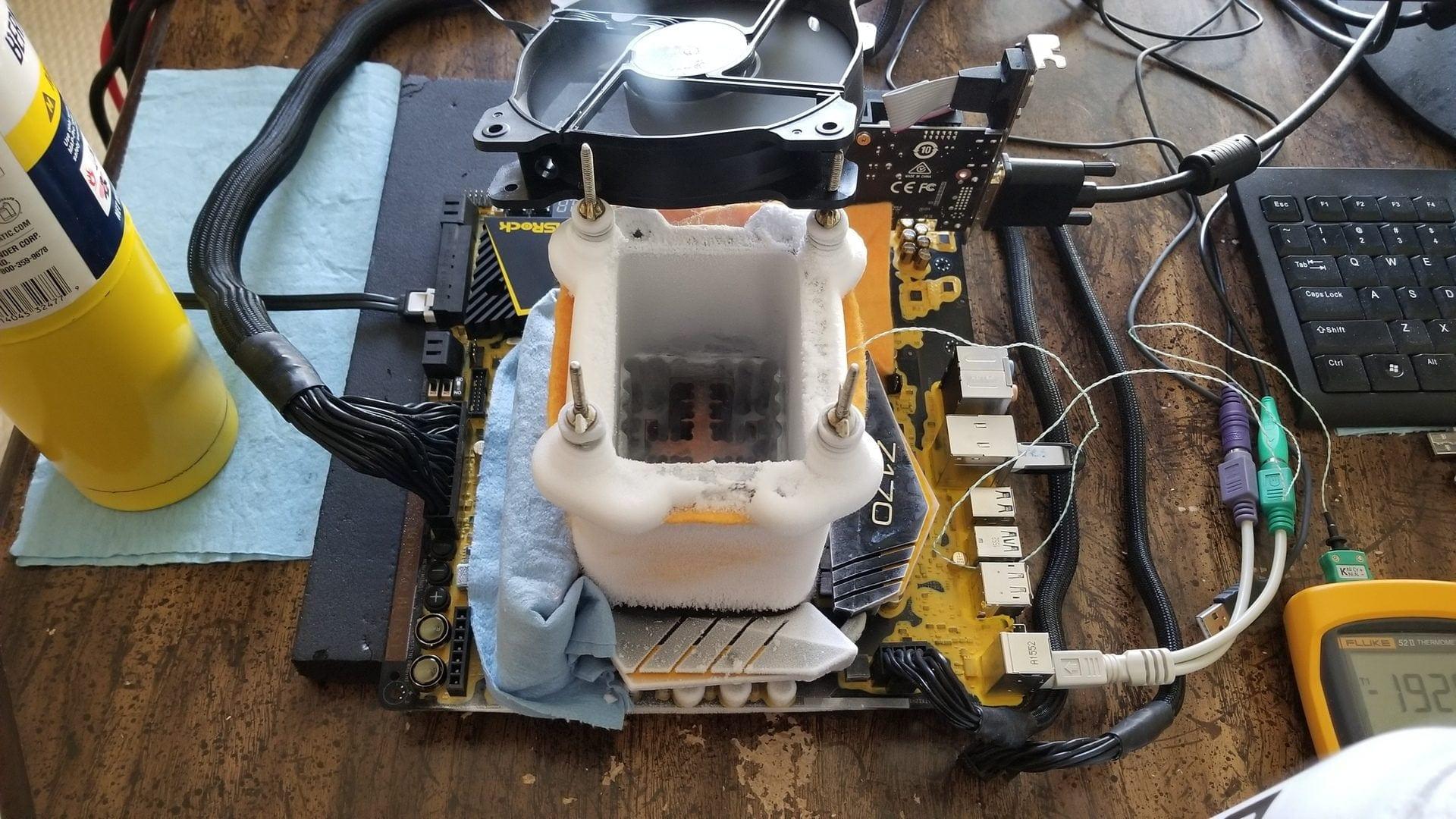 Core i3 7350K на частоте 6783МГц: bigblock990 взял золото модельного зачета в Cinebench R15