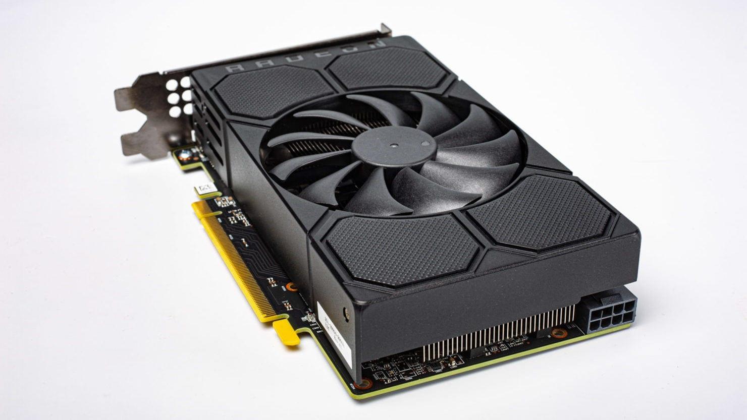 Производительность AMD Radeon RX 5500 действительно находится практически на уровне RX 580