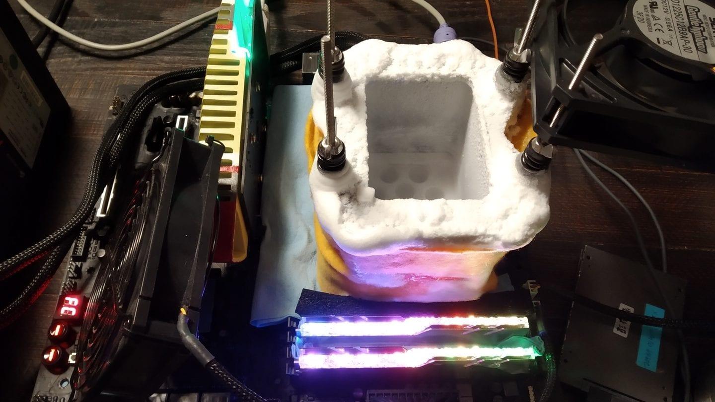 Apple MacBook Pro сможет похвастаться видеокартой Radeon Pro 5500M на полноценном чипе AMD Navi 14