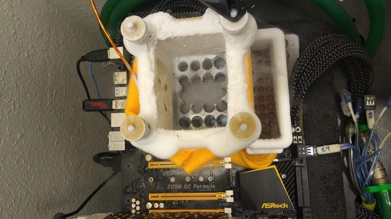 Intel Core i9-9900KS на частоте 7305МГц: mllrkllr88 установил рекорд в модельном зачете новенького CPU