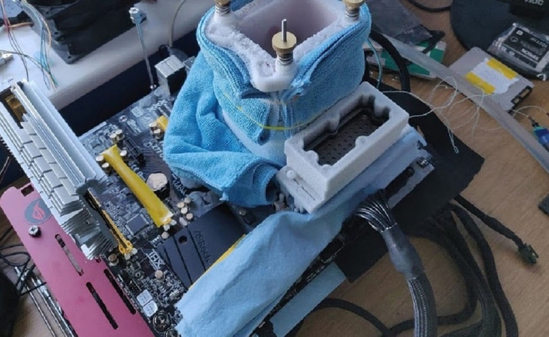 First benchmarks of 12-thread Intel Core i5-10400 processor and comparison with Core i5-9400F and Core i7-9700F